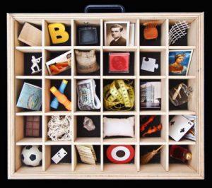 Caixa d'objectes del projecte ExpressArt Museu portàtil